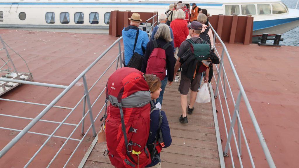 abenteuerlicher Abfahrtsort der Fähre nach Olchon, Baikalsee