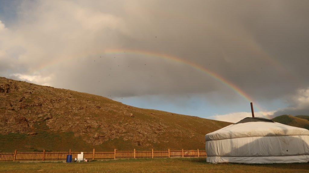Regenbogen in der Mongolei