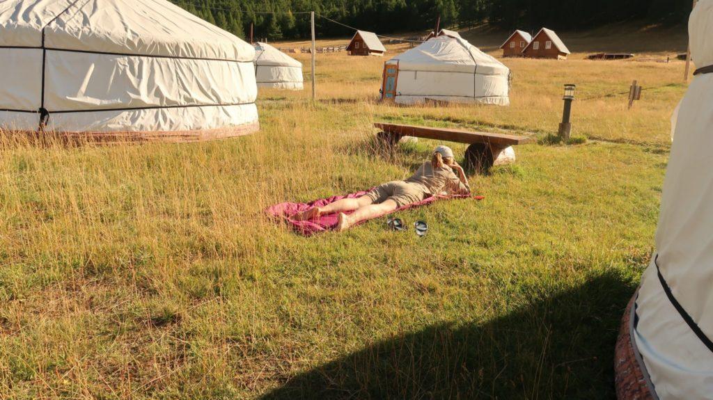 Relaxen in der Mongolei, zwischen den Jurten