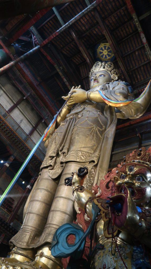 Statue der Göttin Janraisig in Ulanbataar