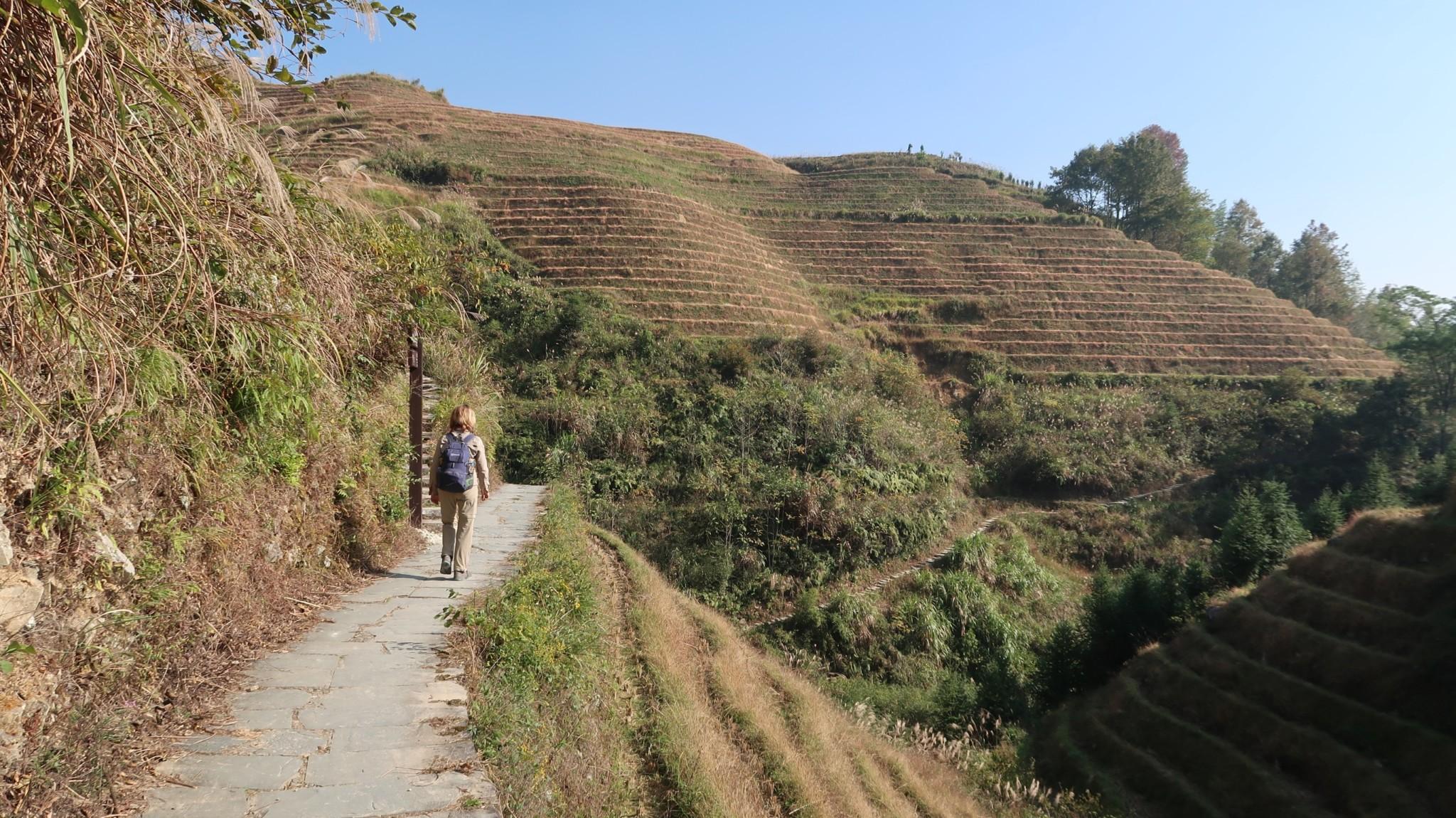 Tiantouzhai - Weg zur Seilbahn in Longsheng bei Guilin - China
