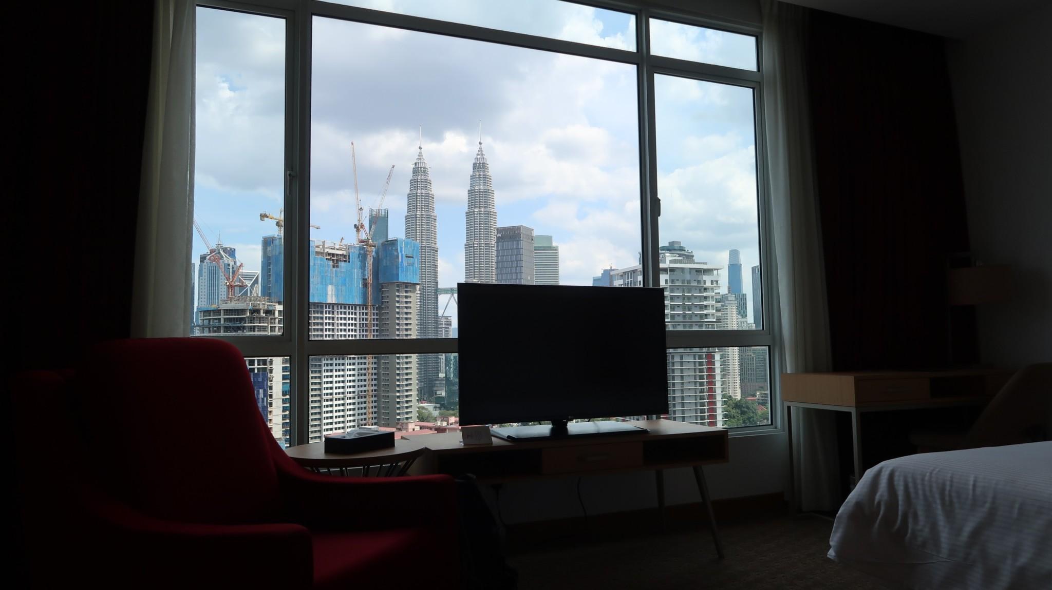 Blick auf Zwillingstürme in Kuala Lumpur während der Weltreise, Reiseberichte